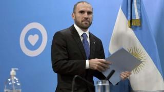 Argentina posterga por decreto pago de deuda por 9.800 millones de dólares hasta 2021 | 180