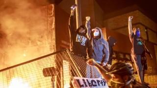 Crece indignación en EEUU por muerte de hombre negro a manos de la policía | 180