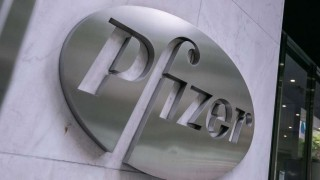 Pfizer inicia prueba de una píldora anticovid | 180