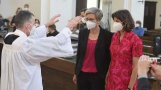 Iglesias alemanas bendicen a parejas del mismo sexo desafiando al Vaticano | 180
