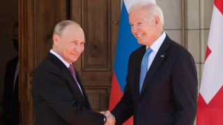 Biden y Putin cara a cara en una tensa cumbre en Ginebra   180