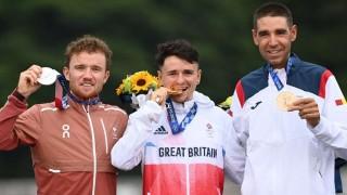 Un premio extra para los medallistas: 30 segundos sin la mascarilla | 180