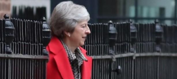 Portal 180 - Theresa May rechaza las contrapropuestas de sus rivales sobre el Brexit