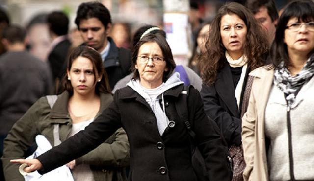 Participación laboral femenina en Latinoamérica retrocede una década por covid