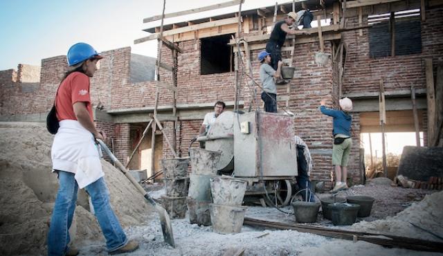 Cómo funcionará el plan de fideicomisos para construir viviendas