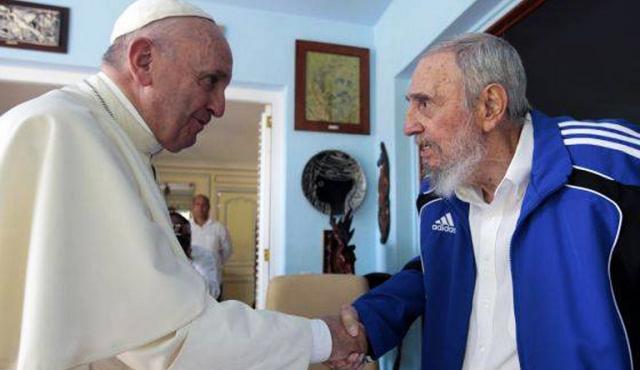 La Iglesia, de opositora de Fidel a compañera de viaje de Raúl Castro