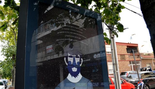 Exponen poemas de población carcelaria en las calles de Montevideo