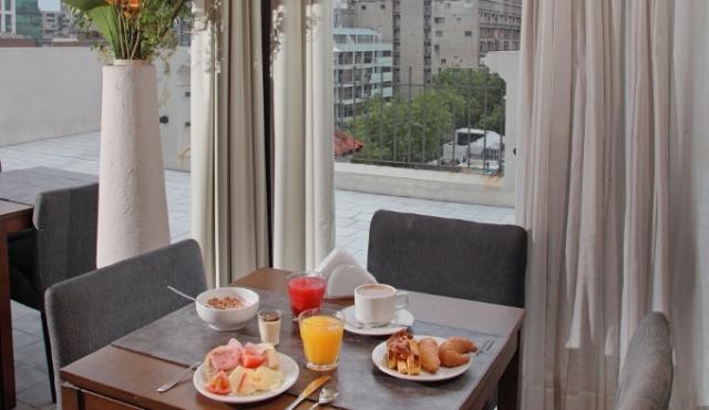 A pedido del público Esplendor Hotel Montevideo vuelve a llamarse, Esplendor Hotel Cervantes