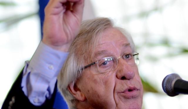 Uruguay emite deuda en pesos por 1.250 millones de dólares