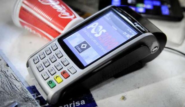 Presidencia y ministerios: los únicos obligados a aceptar tarjeta de débito y dinero electrónico
