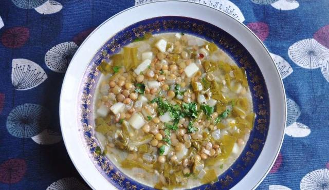 Adas Be Hamod, sopa libanesa de acelga y limón
