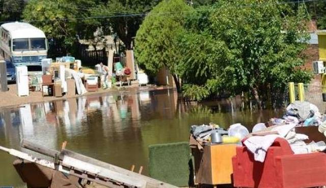 Artigas: clubes sociales reticentes a ceder instalaciones a inundados por destrozos