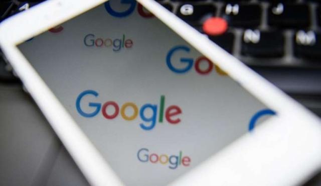"""Los medios de EEUU se lanzan contra el """"duopolio"""" de Google y Facebook"""