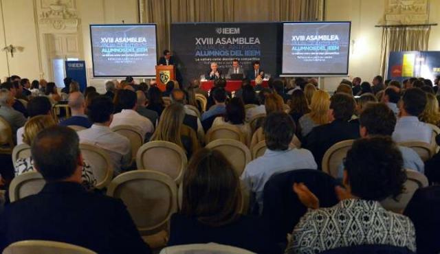 XVIII Asamblea de antiguos alumnos del IEEM - La cultura como desventaja competitiva