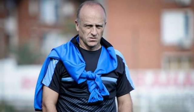 Fabián Coito renovó contrato con la AUF
