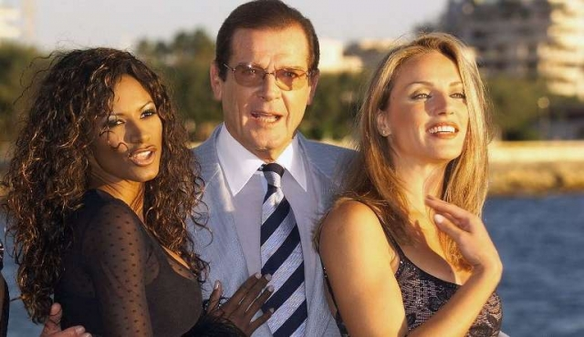 Murió Roger Moore
