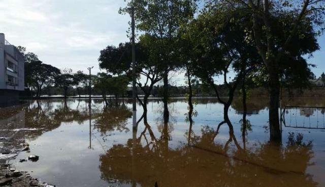 Continúan aumentando desplazados por inundaciones y superan los 6.500