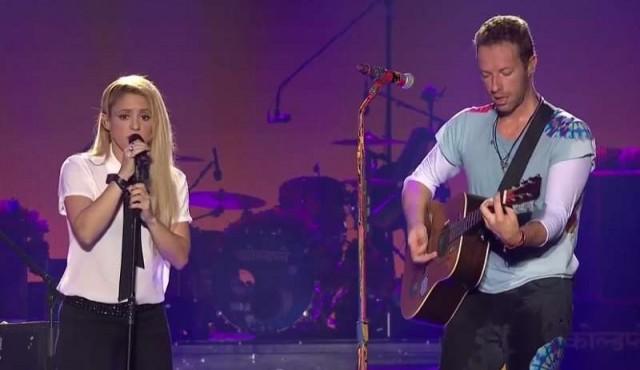 """Chris Martin cantó """"Chantaje"""" junto a Shakira"""