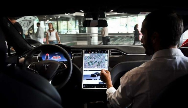 Qué falta para que se comercialicen coches autónomos
