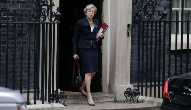 Desbaratan un complot para matar a Theresa May