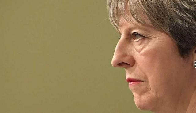 La UE y Reino Unido pactan los términos de su divorcio