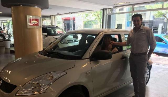Durante la Noche de los Descuentos Punta Carretas Shopping sorteó un Suzuki Swift Go