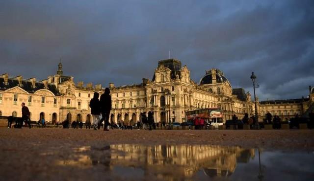 El Louvre se recupera de la abrupta caída de visitantes, tras atentados de 2015