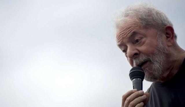 Mujica, Cristina y Oliver Stone en campaña por Lula