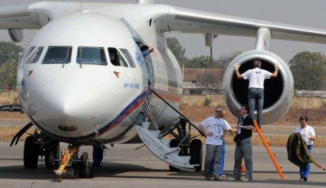 Un avión con 71 pasajeros se estrelló en las afueras de Moscú