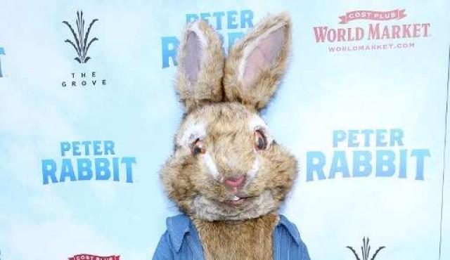 """Sony se disculpa por la escena de """"Peter Rabbit"""" que se burla de una alergia"""