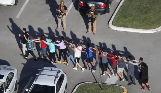 Estados Unidos tiene un promedio de un tiroteo escolar por semana