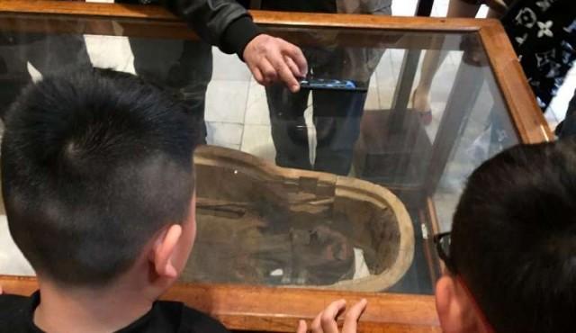 """El Museo Egipcio de El Cairo exhibe una """"momia aulladora"""""""