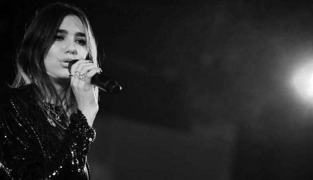 Victoria de Dua Lipa y del rapero Stormzy en los premios Brits