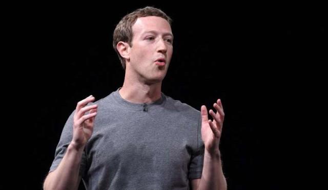 """Zuckerberg reconoce """"responsabilidad"""" de Facebook y admite """"errores"""""""