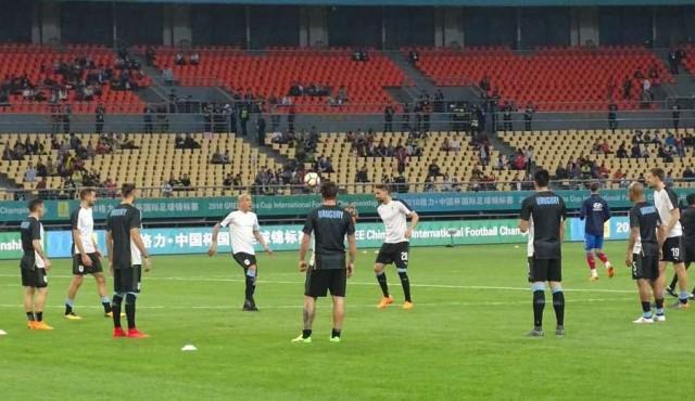 Con goles de Suárez y Cavani, Uruguay le gana a República Checa