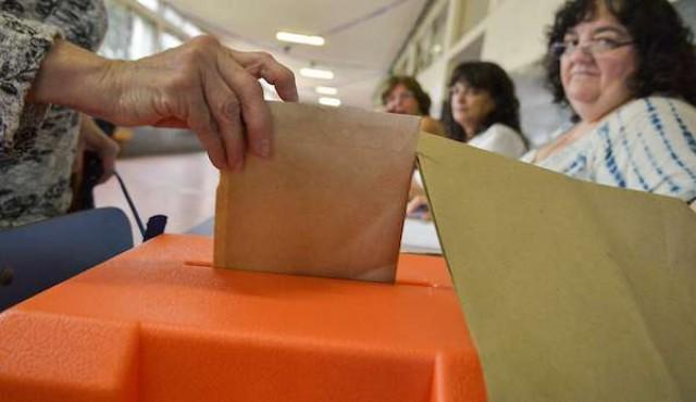 """La mitad de los uruguayos están """"insatisfechos"""" con la oferta de candidatos presidenciales"""