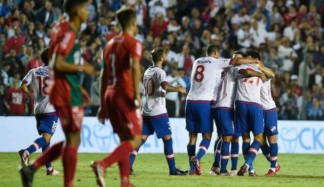 Oliva deja a Nacional puntero antes del clásico