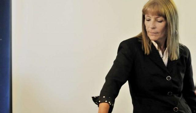 Renunció Celsa Puente y asume Landoni