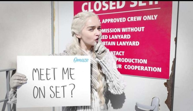 "Emilia Clarke sortea un paseo por el ""top secret set"" de Game of Thrones"