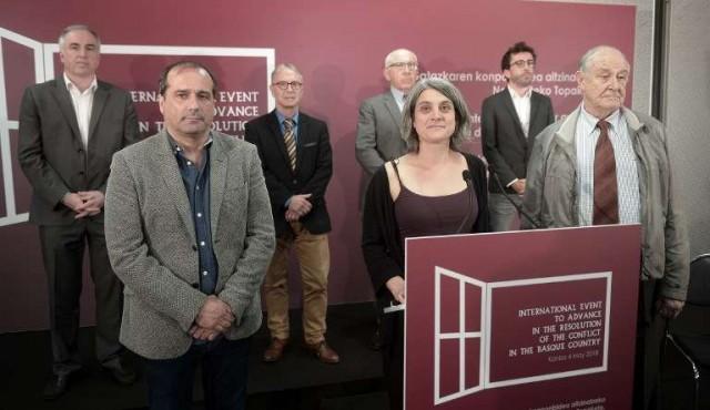 ETA entrega cajas con armas a la justicia francesa