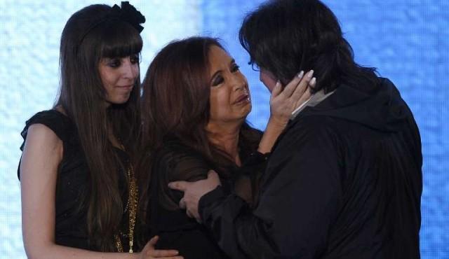 Cristina Fernández encausada por supuesto lavado de dinero