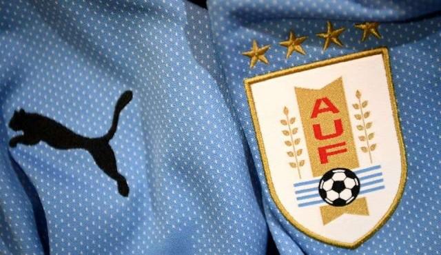 Tabárez presentó una lista preliminar de 26 futbolistas para el Mundial