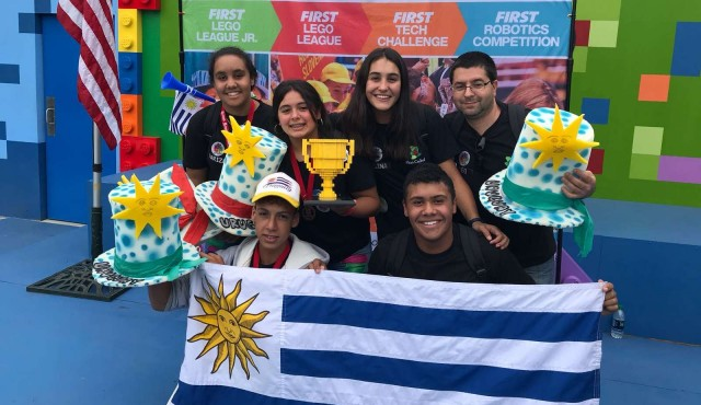 Liceales de Las Toscas de Caraguatá ganan primer premio en concurso en EEUU