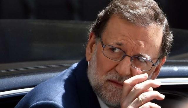 Mariano Rajoy acusa a Pedro Sánchez de debilitar a España