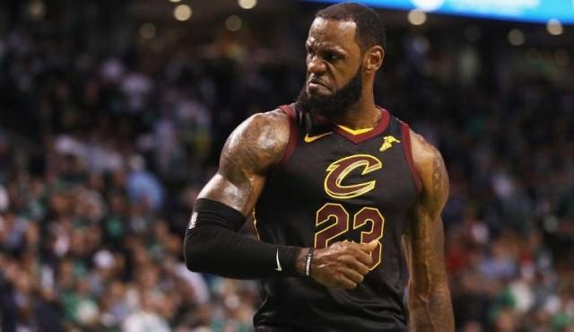 LeBron pone a Los Cavaliers en la final de la NBA