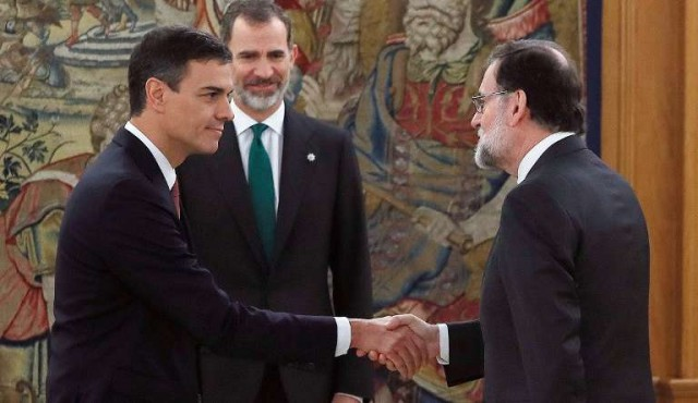 Pedro Sánchez asumió como nuevo presidente de gobierno español