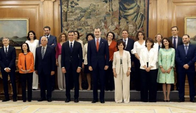 Sánchez formó gobierno con mayoría de mujeres y un astronauta