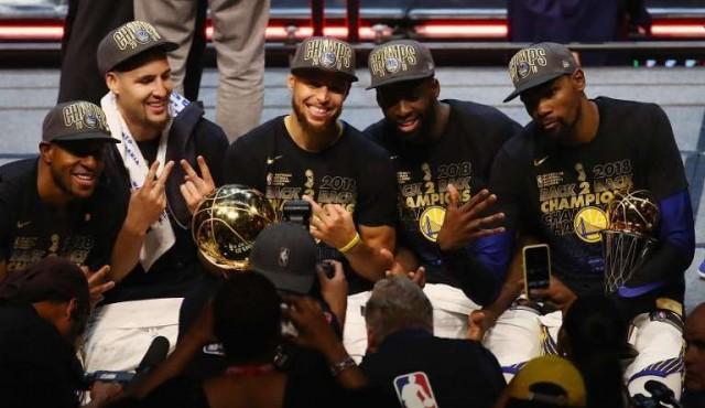 Warriors barrieron a Cavaliers y son campeones de la NBA por tercera vez en cuatro años