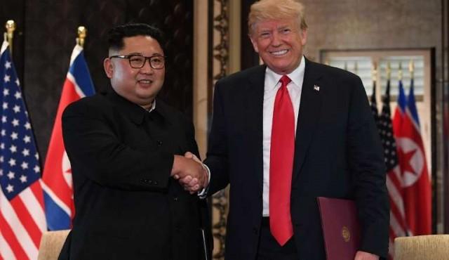 Kim se compromete a desnuclearizar la península coreana en cumbre con Trump