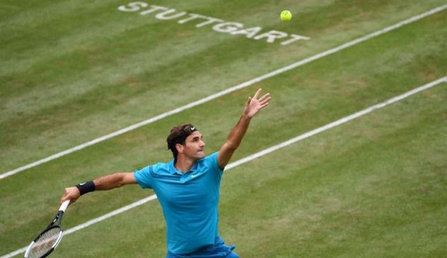 Federer regresó con victoria en Stuttgart